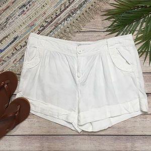 3/$30 Banana Republic Linen Blend White Shorts